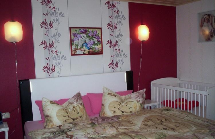 Schlafzimmer mit 180x200 cm Boxspringbett