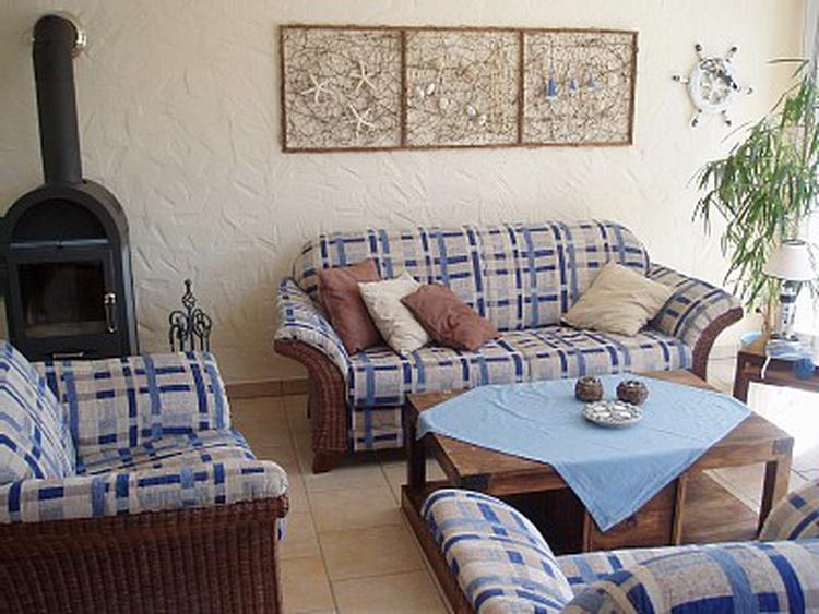 Couchbereich plus Kamin