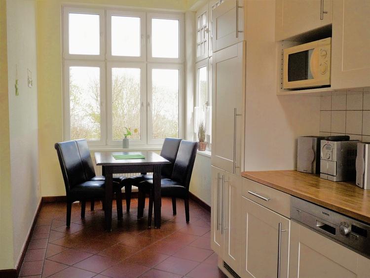 Blick auf den Essplatz in der Küche