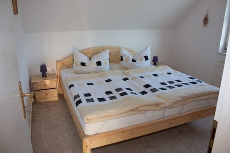 2. Schlafzimmer ....