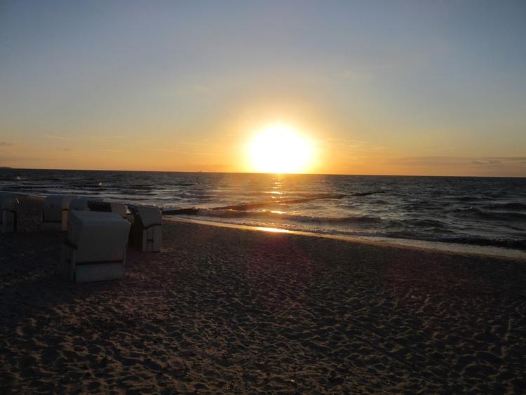 Sonnenuntergang am Strand Börgerende