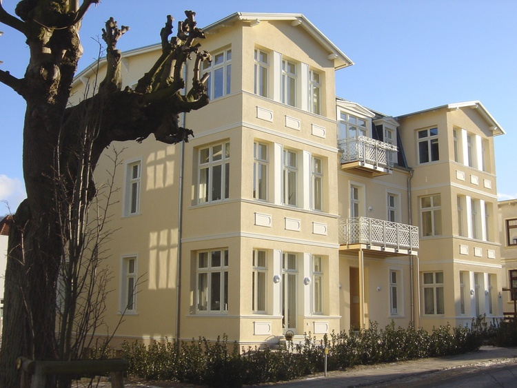 Seitenansicht der Villa