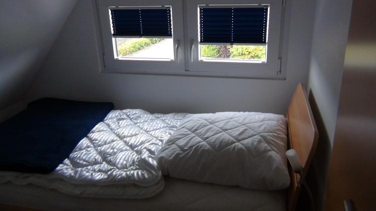 Kinderschlafzimmer mit Fenster