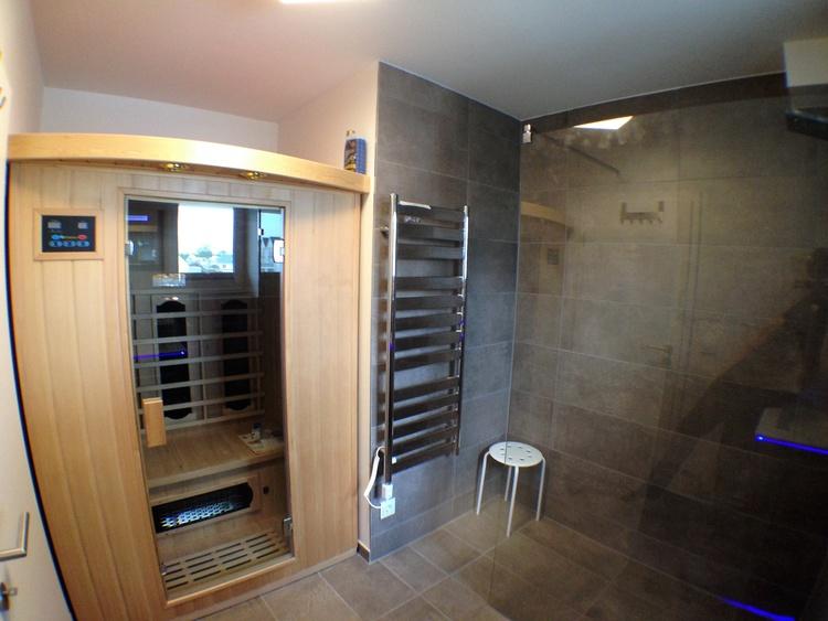 Sauna und elektrischer Handtuchheizkörper, Fewo Kapitän James Cook Olpenitz, mehr auf unserer Page