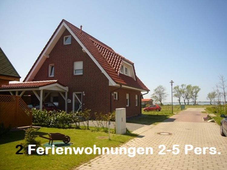Ferienhaus in Wiek mit 2 Wohnungen 80 m zum Wasser