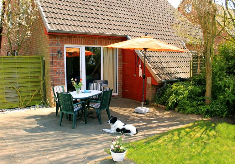 Frühstück im Grünen und gemütliche Grillabende im Garten.