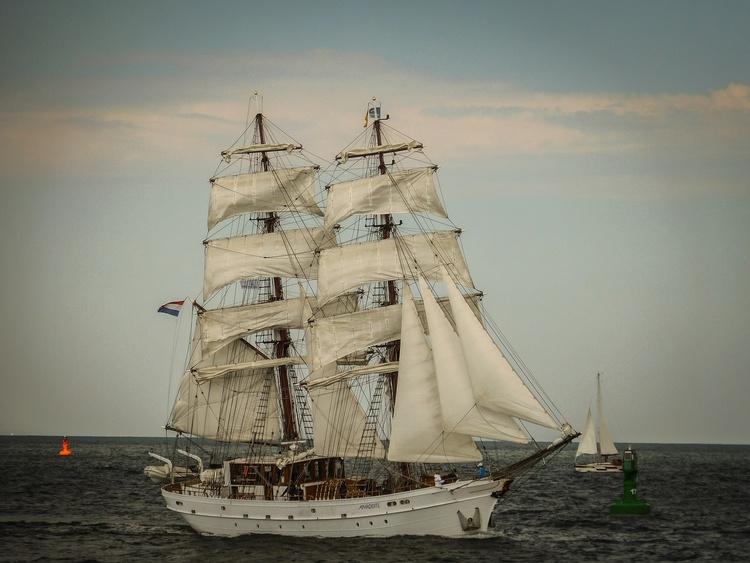 Segelschiff vom Ostseestrand